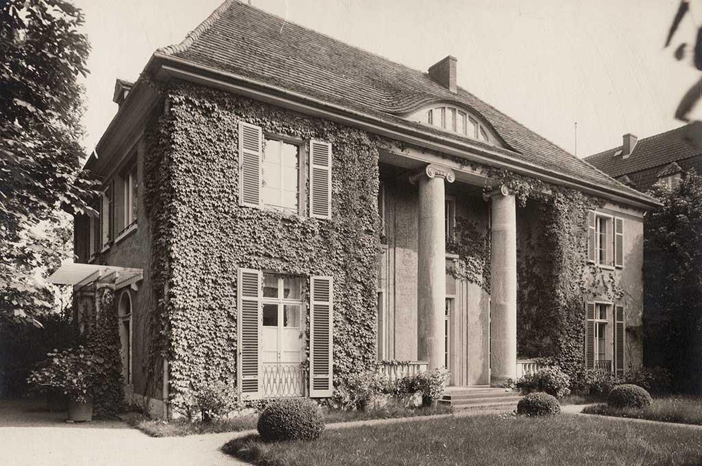 Blick auf die Frontseite der Liebermann-Villa, 1925